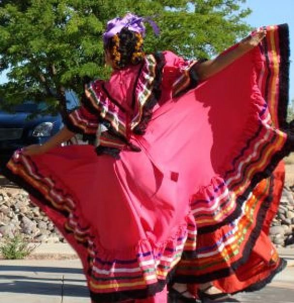 baile-folklorico---danza-folklorica-mexicana_21024182