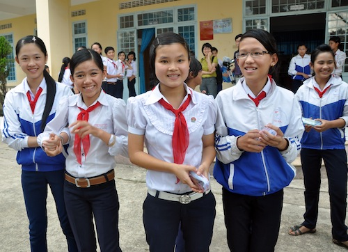 Eyeglasses examination at Luong The Vinh School, Kon Tum Province