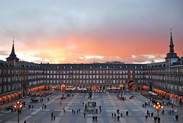 Plaza_Mayor_de_Madrid_02