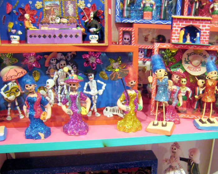 image of typical mexican dolls - learn spanish phrases